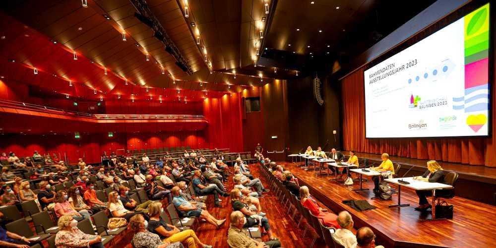 Dergut Besetzte Große Saal der Stadthalle Balingen