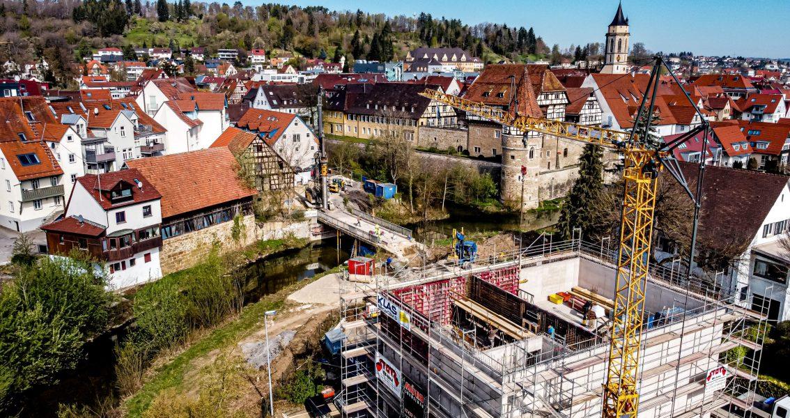 Luftbild mit dem zukünftigen Stadtarchiv im Vordergrund