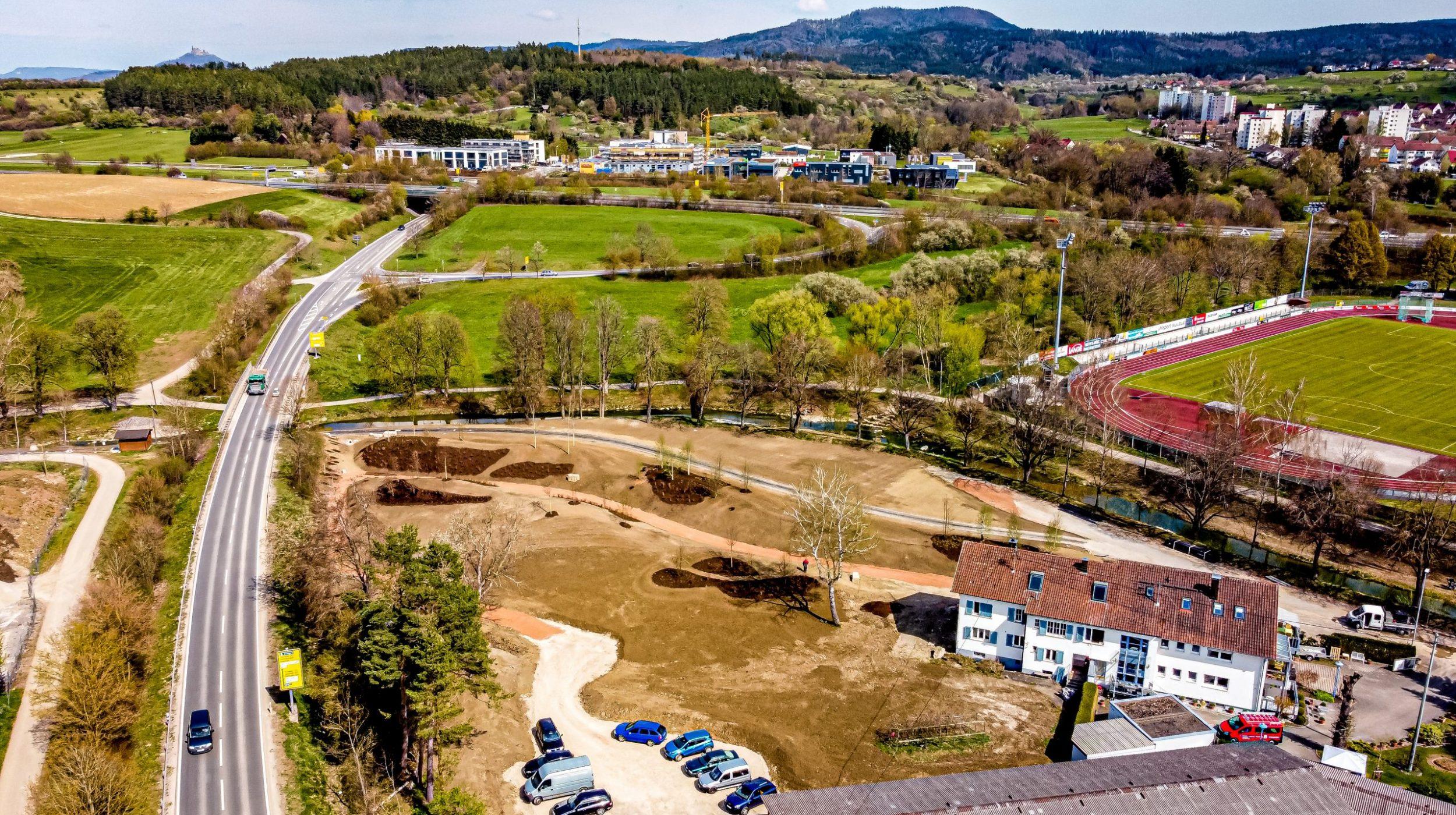 Luftbild der modellierten Hügellandschaft